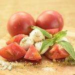 チェリーモッツァレラとフルーツトマトのカプレーゼ