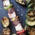 Brochette et légumes grillés