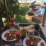 Завтрак можно заказать с доставкой в номер