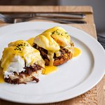 Eggs Benedict with veal chicks / Яйца Бенедикт с телячьими щечками