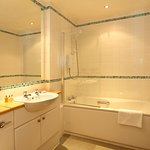 SACO Glasgow - Bathroom
