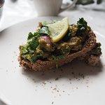 raw avocado toast: notre brunch du weekend!