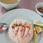 Foto di Go Ang - Pratunam Chicken Rice Restaurants