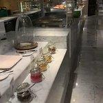 Foto de Feast - Sheraton Grand Hotel