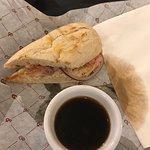 Zdjęcie Black & Brew Coffee House & Bistro
