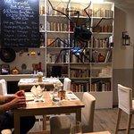 Foto de KonyvBar & Restaurant
