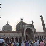 people in jama masjid for ramadan