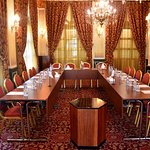 Golden Tulip Serenada Hamra Meeting Room