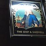 Fotografija – Ship & Shovell