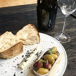Foto de ALFiE'S Wine + Grill