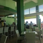 Foto de Lazy Lizard Beach Bar & Grill