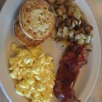 Foto de Theo's Cozy Corner Restaurant