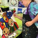 """Art classes for children: """"Artistic Edge for Kids"""""""