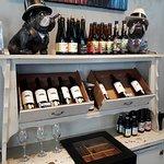 Vinhos, cerveja artesanal e charutos