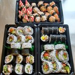 Ocean platter 32 pieces of seafood futomaki + 12 pieces of seafood nigiri. Perfect for sharing!