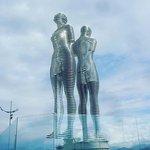 Фотография Памятник Али и Нино