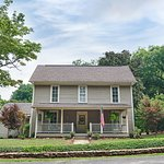 Yellow Daisy Bed and Breakfast, just 2 blocks from the downtown Dahlonega square.