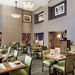 Bear Springs Bistro & Lounge features a selection of appetizers, entrees, desserts and more.