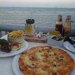 Foto de Karambezi Cafe