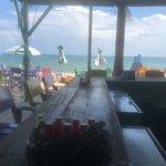 Photo de Barefoot Bar