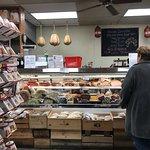 Фотография Di Pasquale's Italian Marketplace & Deli