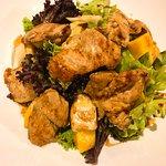 Ensalada de Pollo a las Brasas (Restaurante Manada)