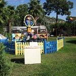 Карусель на детской площадке