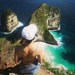 Tempat wisata yang paling fenomenal di nusa penida banyak wisata asing atau lokal yg datang ke nusa penida  Ayoo buruan booking 085829315171