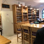 Fotografie: Wine Bar Vinotéka U Mouřenína