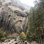 Foto van Lower Yosemite Fall Trail