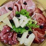 Tagliere di salumi e formaggi www.bistroave.com