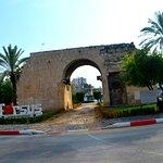 Foto van Cleopatra's Gate