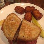 صورة فوتوغرافية لـ Blackthorn Restaurant & Pub