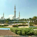 Sheikh Zayed Grand Mosque Center 46