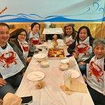Customers enjoy dinner at #LiveCrawfishmd