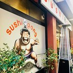 Sushi and Gongの写真