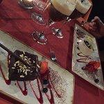 Suklaakakku ja mangovaahto