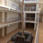 Atriumet och ingångarna till rummen