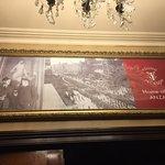 Zdjęcie Chloe's Restaurant at Young & Jackson hotel