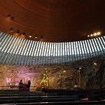 Foto van Rock Church (Temppeliaukio Kirkko)