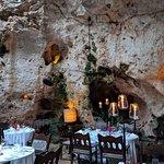 Foto de Ali Barbour's Cave Restaurant