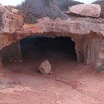 Grotte des cyclopes, tout près de Konnos