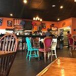 Foto de Two Chicks Cafe