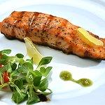 Храна за сетивата.... сьомга стек на Josper! #food #restaurant #Orfeida #seafood