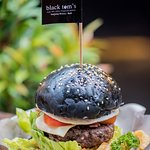 Black Tom's Burger