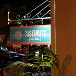 Фотография Castaways Bar & Grill