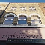 Serving our the Wandsworth community with amazing coffee, all-day brunch, juices and positive vibes at Battersea Market Café 巴特西