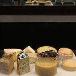 Quesos afinados (testum al barolo, brillat savarin, bauma, torta de barros, cashel blue, laguiole, vachering mont d'or...)