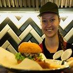 Приглашаем в гости за самыми сочными и вкусными бургерами!