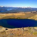 Laguna vista desde la cima del volcan Batea Mahuida